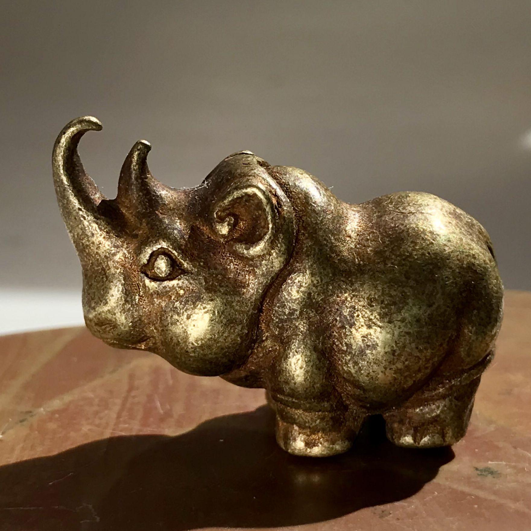 0元 这个小胖犀牛太可爱了,圆鼓鼓胖嘟嘟,通知精纯,十分压手.