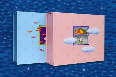 """幾米""""寄·相思""""主题艺术礼盒,包括《寄》与《相思》两款,尤适合朋友、情侣间赠送,传递思念、表达情谊! 以幾米经典绘本《我只能为你画一张小卡片》为蓝本设计,礼盒外观分别选用绘本中男、女主人公的形象设计。打开《寄》礼盒,读优美绘本,写卡片传递思念;打开《相思》礼盒,用手账本记录悠长时光中的点滴感动,用相框定格住美丽瞬间。定价136元,现团购价49.9元,全国包快递!"""